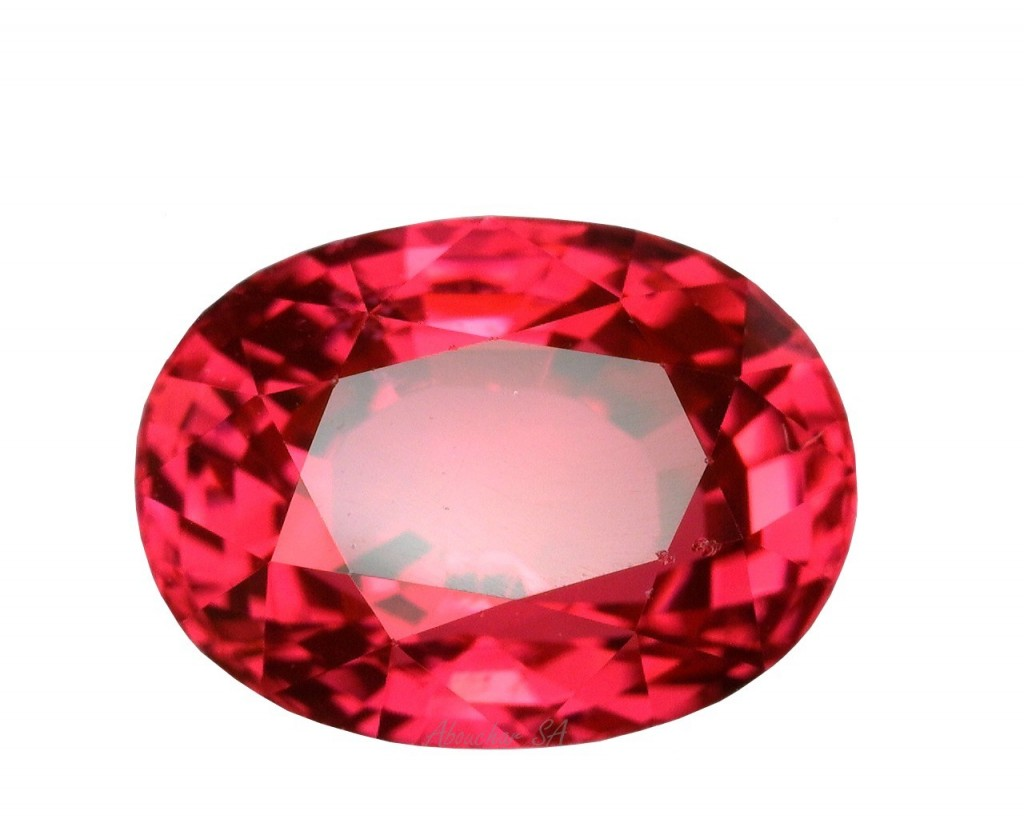 2.35 Spinel red OV 01-1360''